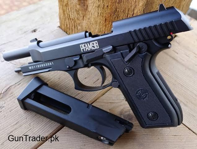 Full automatic USA made bretta look co2 powered Aiirpistol