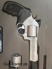 .22 Calibre Taurus Magnum Revolver